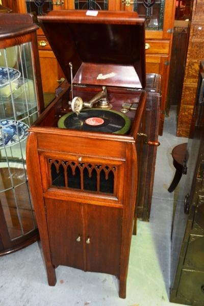 Lot #201 - Antique Rexonola cabinet gramophone - Antique Rexonola Cabinet Gramophone - Bargain Hunt Auctions Find