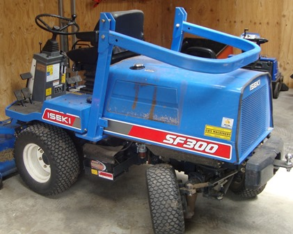 ISEKI model SF300 ride on lawn mower - Barsby Auctions